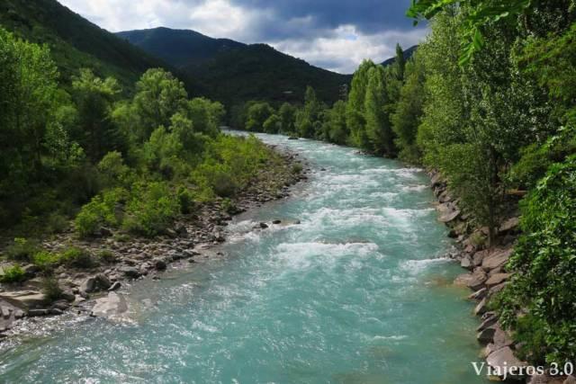 el río Ara en los pirineos Aragoneses, Boltaña