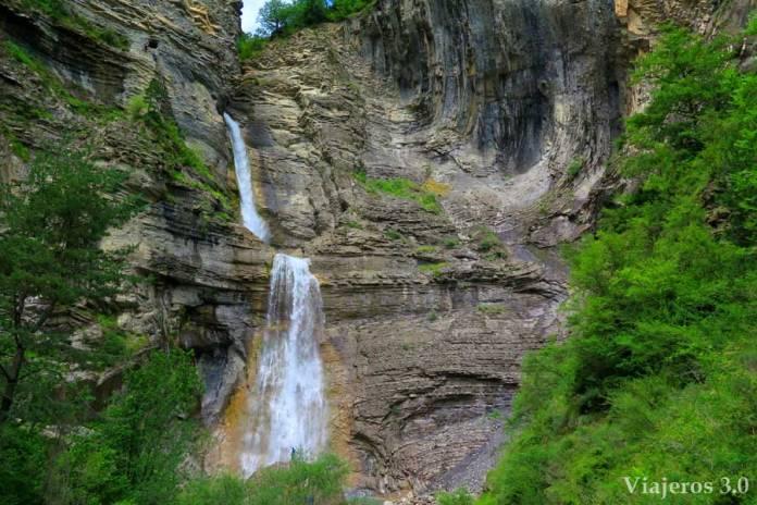 cascada del Sorrosal en Broto