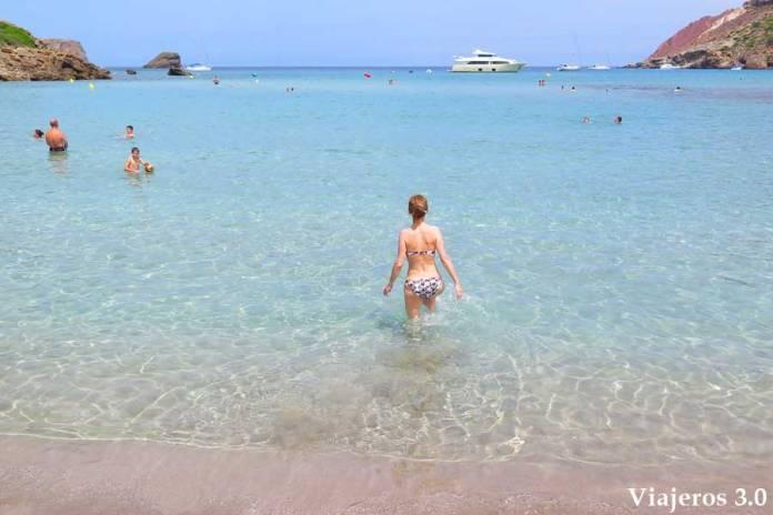 aguas turquesa en las playas de Algairens