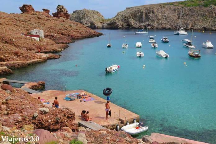 Cala Morell en el norte de Menorca