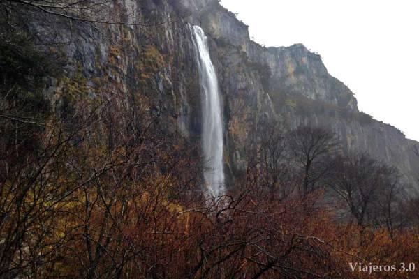 cascada-nacimiento-del-rio-ason