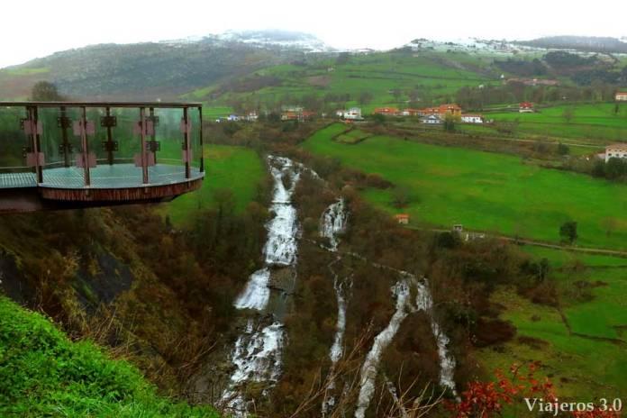 mirador a las cascadas del río Gándara