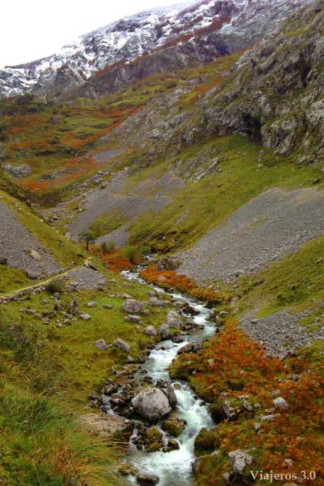 canal del Tejo para acceder a la localidad de Bulnes