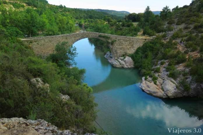 puente de Pedruel e la Sierra de Guara