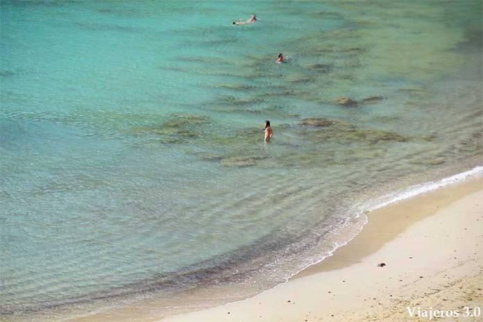 playa de la Cocina, aguas turquesa en la isla de La Graciosa