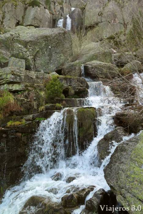 cascada de la Laguna Negra de Soria