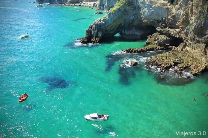aguas transparentes Faro del Caballo