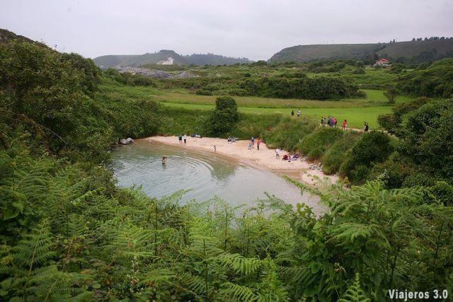 playa de Gulpiyuri, las mejores playas y pueblos de Asturias