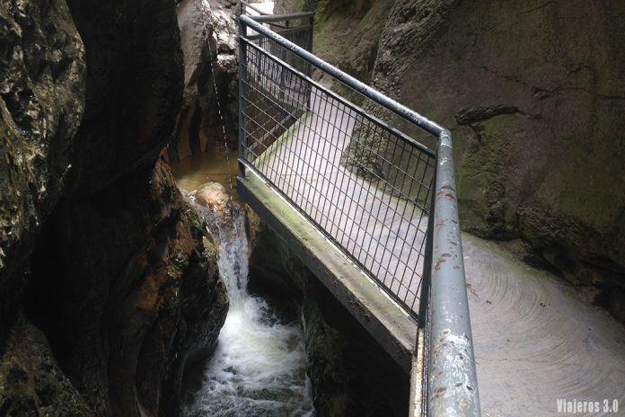 cascadas en el desfiladero de la Yecla, Comarca del Arlanza