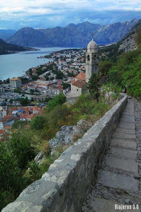 guía de Montenegro, vistas de Kotor desde las murallas