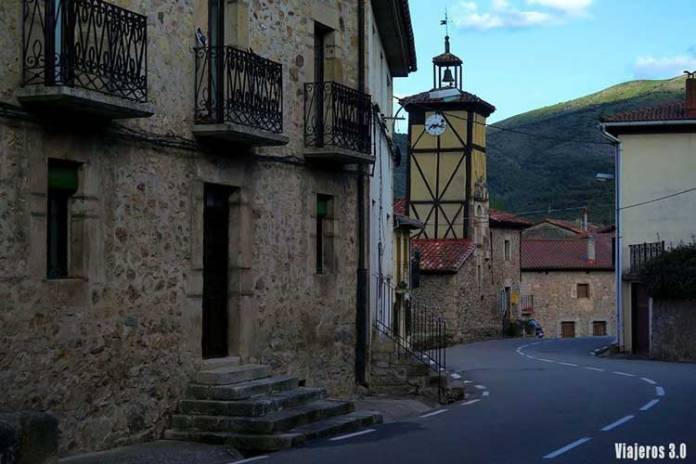 Torre Reloj de Canales, ruta por las 7 Villas