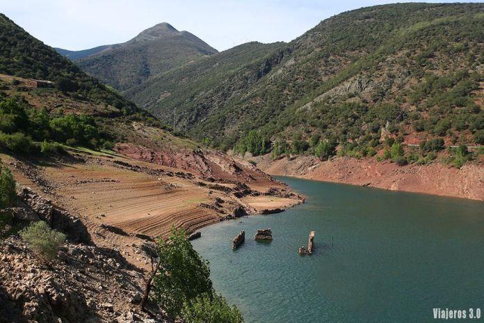 Viejo pueblo sumergido de Mansilla de la Sierra, ruta por las 7 Villas