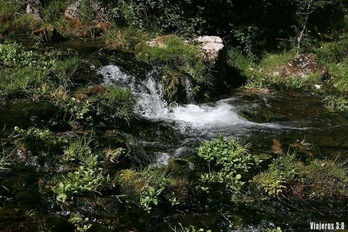 Nacedero del río Brieva, ruta por las 7 Villas