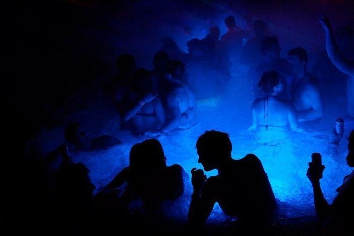 Bath Parties en los Baños Lukacs, Los mejores baños y balnearios de Budapest