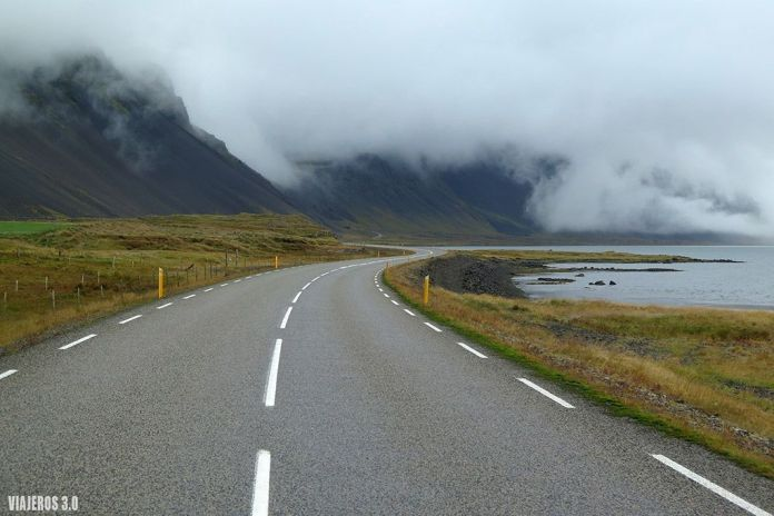 carretera Fiordos del Este en Islandia