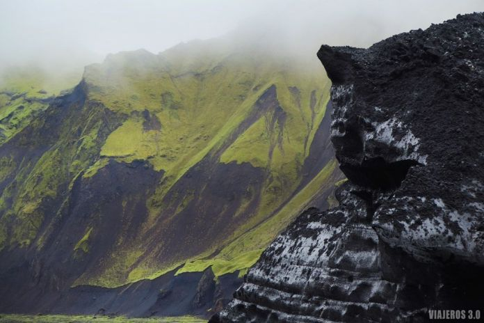 paisajes en excursión a cueva de hielo en Islandia
