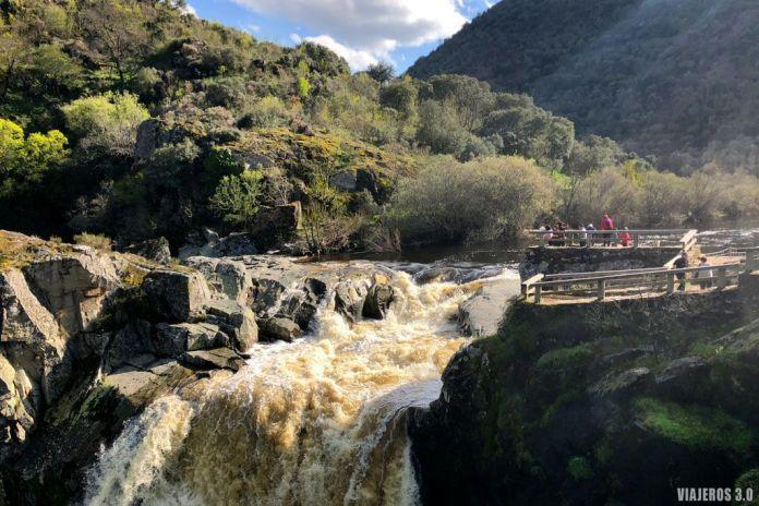 cascada Pozo de los Humos, río Uces