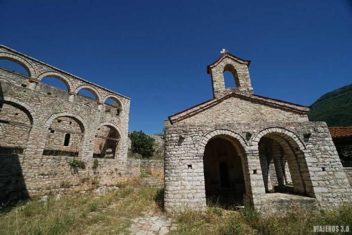 Monasterio de Kakome, las mejores playas de Albania