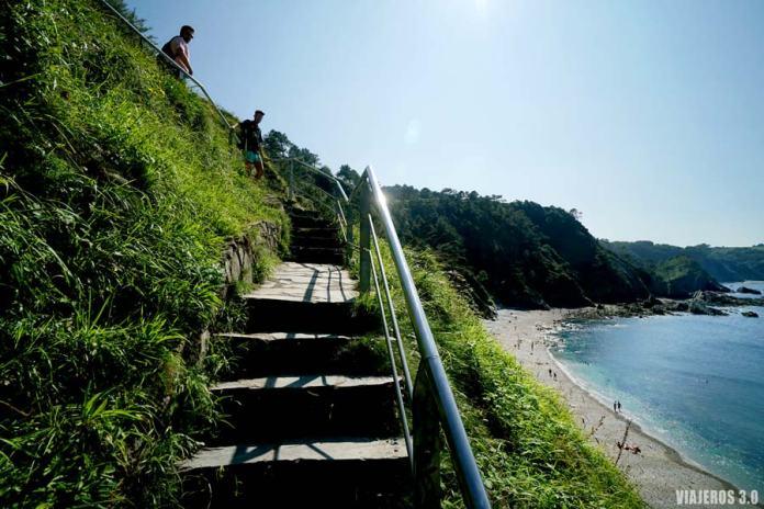 Camino peatonal de acceso a la playa del Silencio