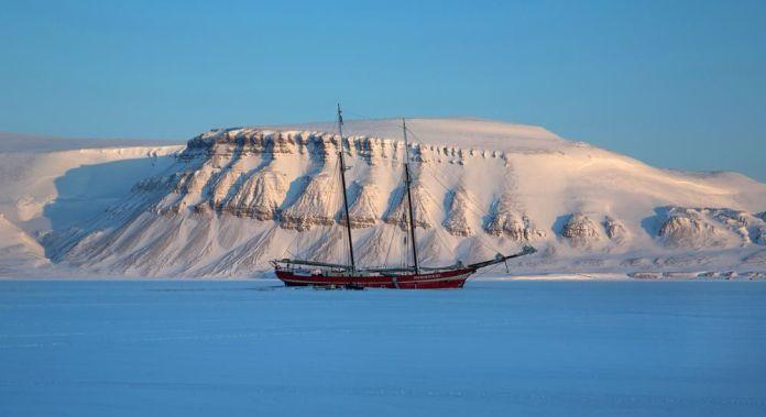 Paisajes en Svalbard, destinos para viajar en invierno a Noruega