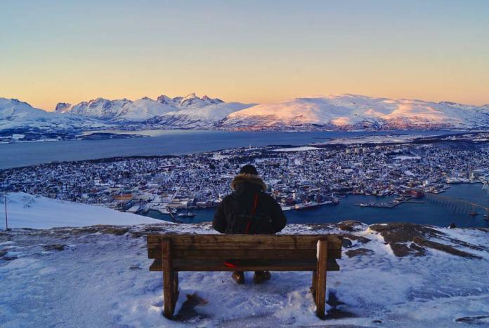 Tromso nevado, destinos de invierno en Noruega.