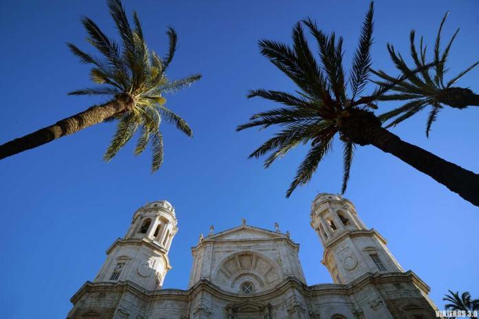 Fachada principal de la Catedral de Cádiz