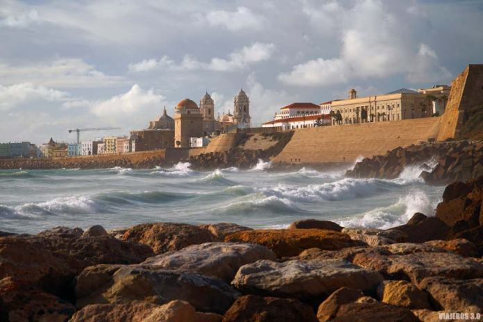 Planes que hacer en Cádiz, paseo marítimo