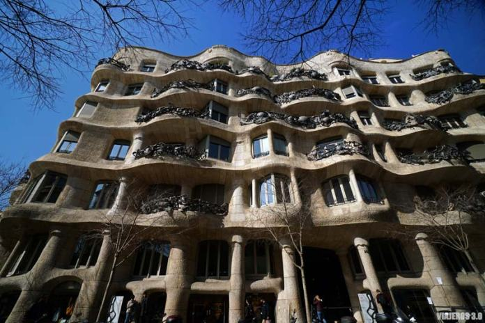 Casa la Pedrera de Gaudí, ruta del modernismo en Barcelona