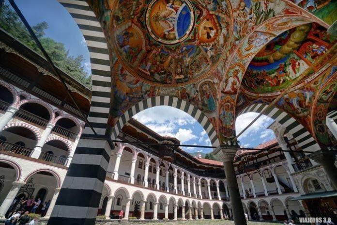Monasterio de Rila, viajar a Bulgaria