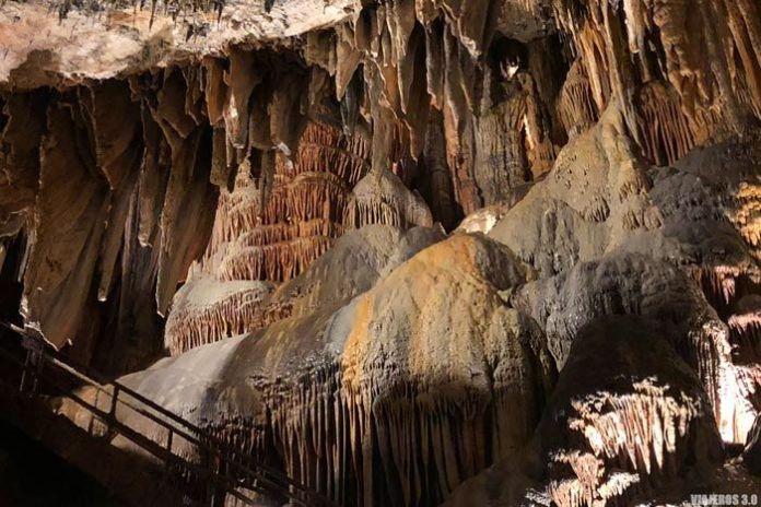 Formaciones geológicas en Valporquero.
