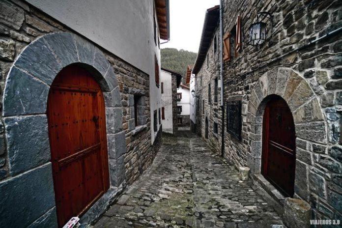 Arquitectura en el Valle de Roncal, Pirineos