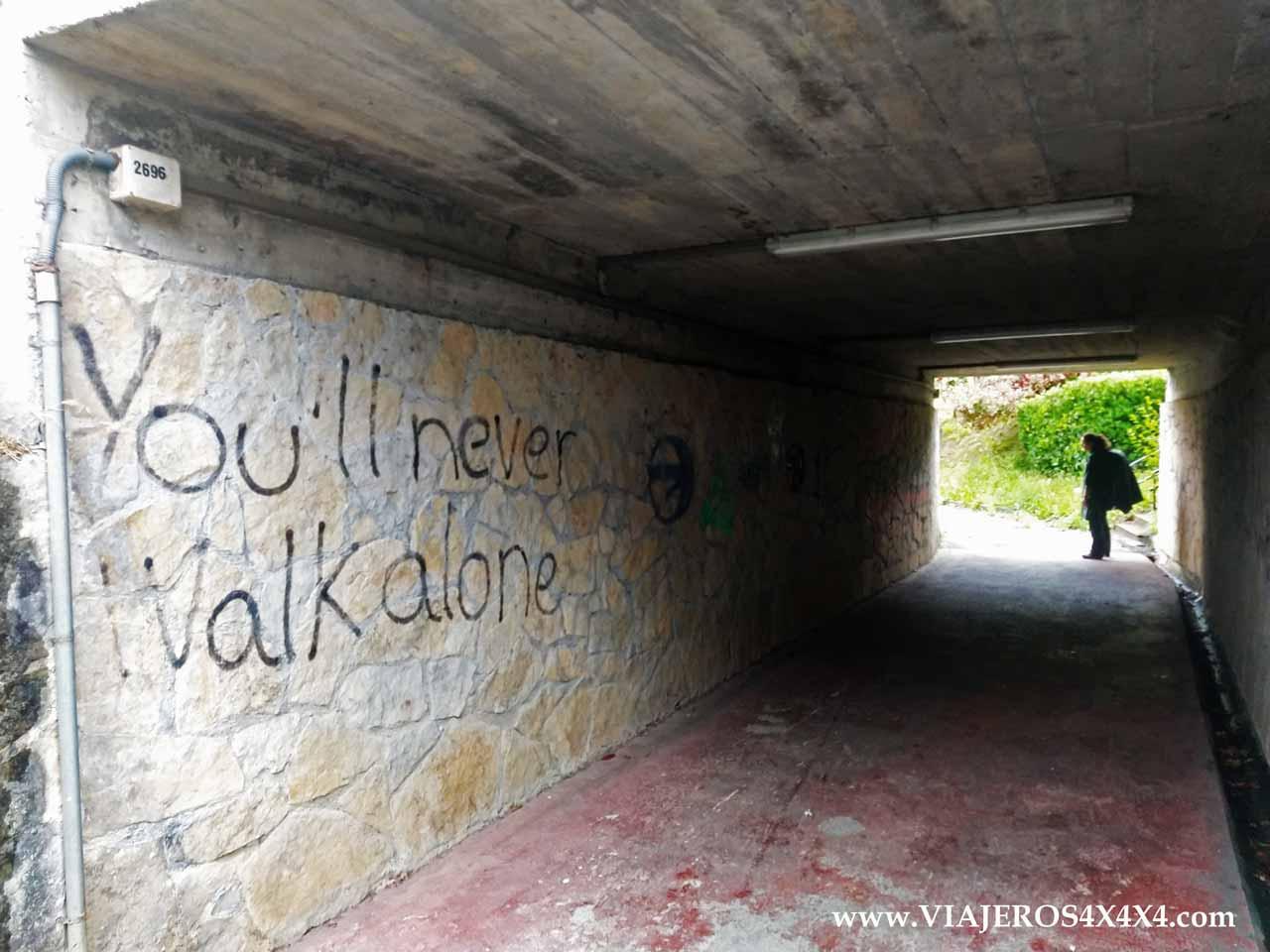 Grafiti you'll never walk alone