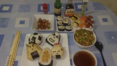 Photo of Preparando comida asiática casera: sushi, onigiri, miso, katsudon, oyakodon, yakisoba, dim sum, tallarines, arroz, etc.