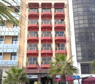 Dónde dormir y alojamiento en Sliema (Malta) - 115 The Strand Aparthotel. ViajerosAlBlog.com