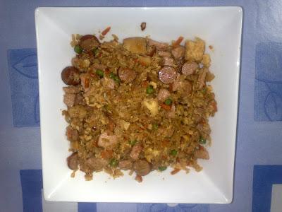 Platos de gastronomía y cocina asiática casera.