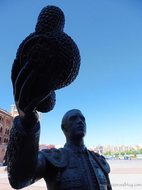 Estatuas urbanas de Madrid: El Torero Agradecido de Las Ventas.