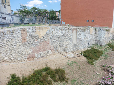 "5 lugares y rincones desconocidos y secretos de Madrid - Vol. 1. Muralla musulmana o árabe de Madrid: el ""origen"" del Madrid actual."