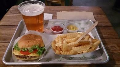 Photo of Dónde comer hamburguesas y gastronomía en Nueva York (Estados Unidos) – Hamburguesería Shake Shack.