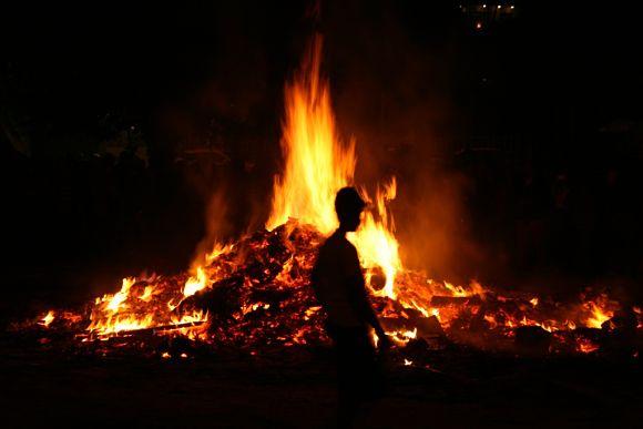 Encender hogueras durante la Noche de San Juan es una tradición que proviene de antiguas fiestas griegas y romanas
