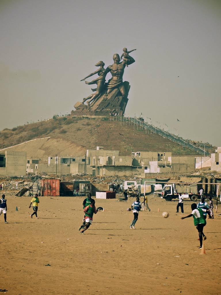Monumento al Renacimiento Africano - Dakar, Senegal, África - 02