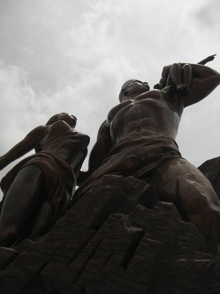 Monumento al Renacimiento Africano - Dakar, Senegal, África - 13