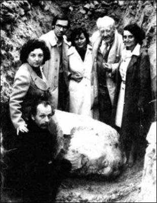 El Indestructible busto de Pablo Iglesias 1