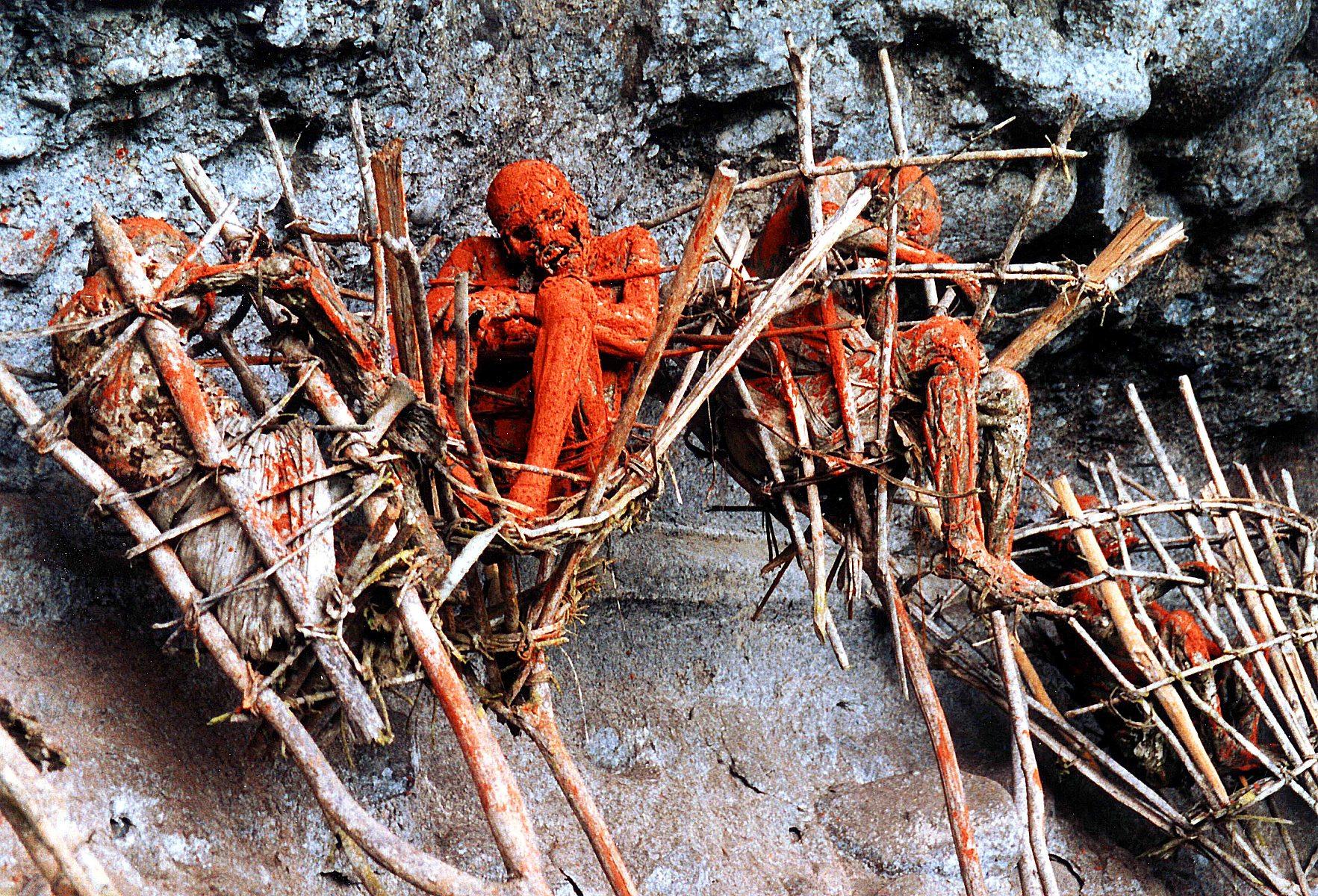 Las momias de los Anga