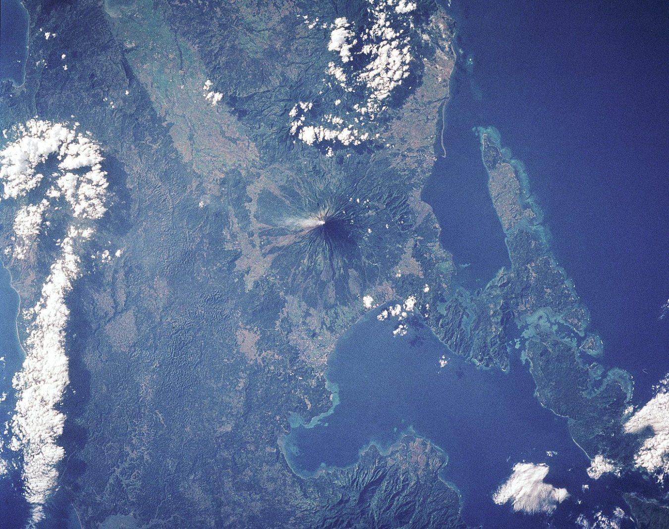 Volcán Mayon: El Volcán Con El Cono Perfecto