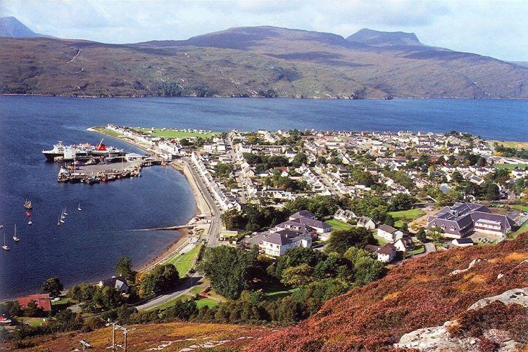Vista de Ullapool, Escocia