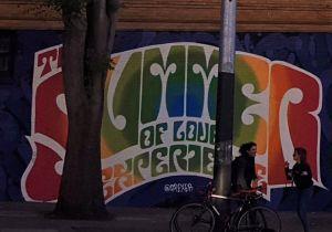 verano del amor mural