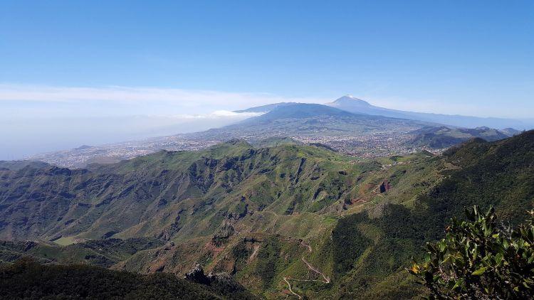 Las Esquinas de Tenerife - vistas de El Teide desde Anaga