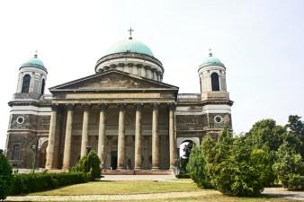 Fachada basílica y catedral Esztergom Jungría