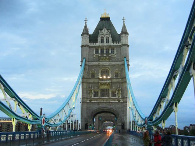 Puente de la Torre noche Londres