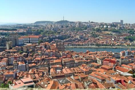Panorámica Oporto y Vila Nova de Gaia desde Torre duas Clerigos